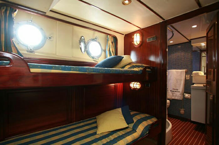 Lady Roxanne twin cabin